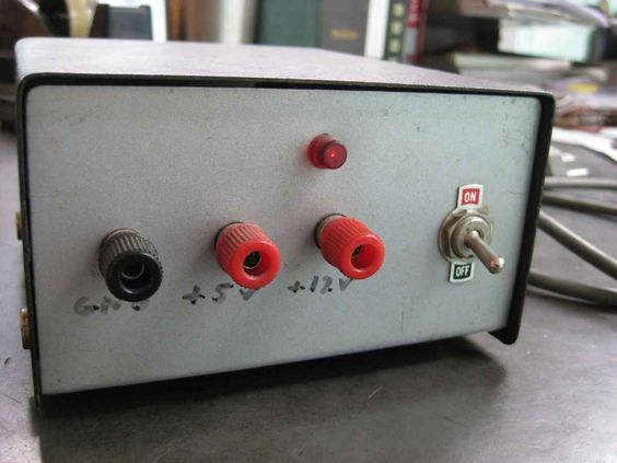 Build a Simple DC Power Supply