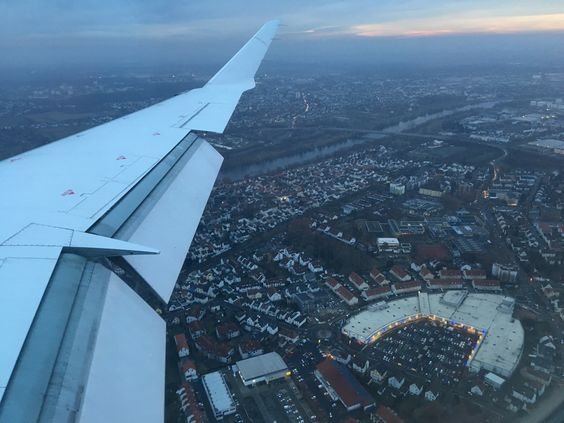 Внизу - Франкфурт