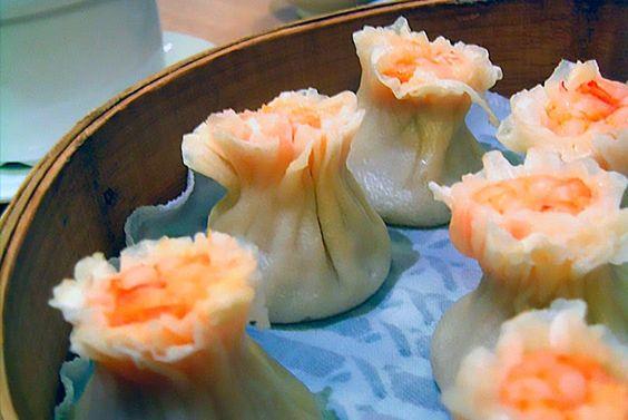 Ebi Shuumai - Bolitas de Gamba    - Ingredientes:   25-30 láminas de shuumai (en supermercados chinos)   200gr de gambas  120gr de car...