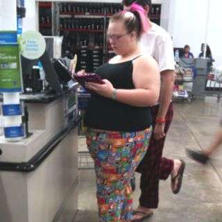 People of sams club. Omg! I thought this was Sara!