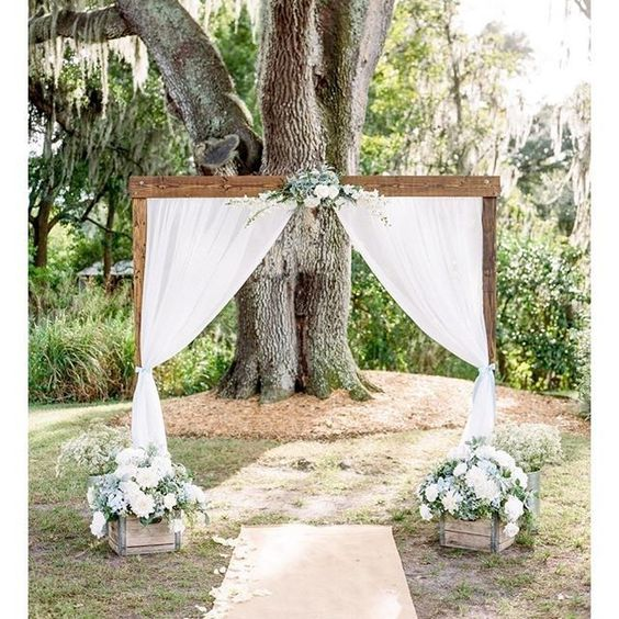 Cross Creek Ranch is an all-inclusive #wedding #venue in Dover, Florida. For information about our packages and pricing, call us today at 813-651-0934 or visit our website (http://www.crosscreekranchfl.com)! #weddinginspiration #weddingideas #weddingvenue #rusticweddings #vintageweddings #barnvenue #barnweddings