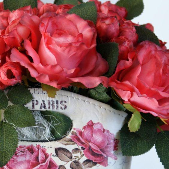 Oui mon amour-detalii #iubesteromaneste #dragobete #iubire #Paris #aranjament #flori #artificiale #floriartificiale #decoratiuni #cadou #unicat #flowerstagram www.beatrixart.ro