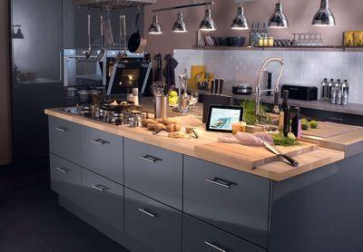 Cuisine ouverte installer un lot de cuisine plan de for Installer un plan de travail cuisine