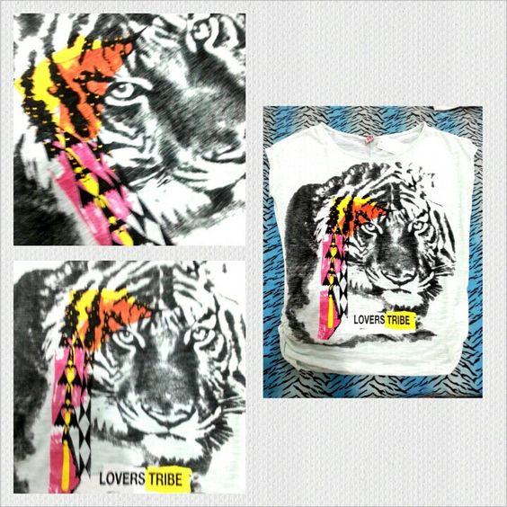Camiseta de malha podrinha com estampa de tigre com detalhes étnicos à venda www.corujeets.com #shirt #camiseta #tiger #lookoftheday #ootd #outfit