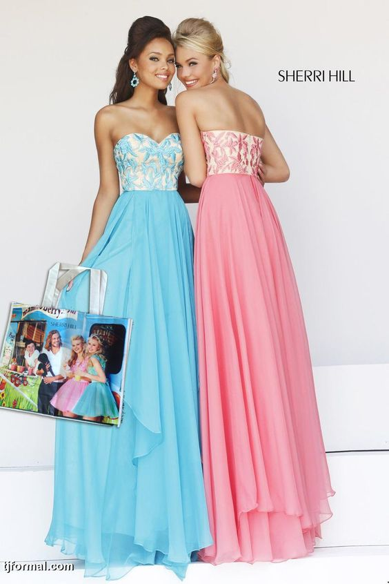 FREE Sherri Hill tote bag to the first 30 customers who purchase any Sherri Hill dress. #tjformal
