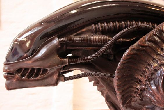 alien3gigerhead.jpg (2048×1374)