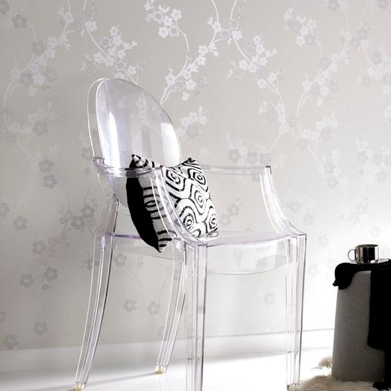 This beautifully dainty white and silver wallpaper design provides a calm and pleasant general atmosphere for any house. The cherry blossom pattern itself is detailed with glitter in-fills and its complementary colors could brighten up any room in your home. As an added bonus, this design in particular is known for bringing good fortune and giving off a feeling of wellbeing.
