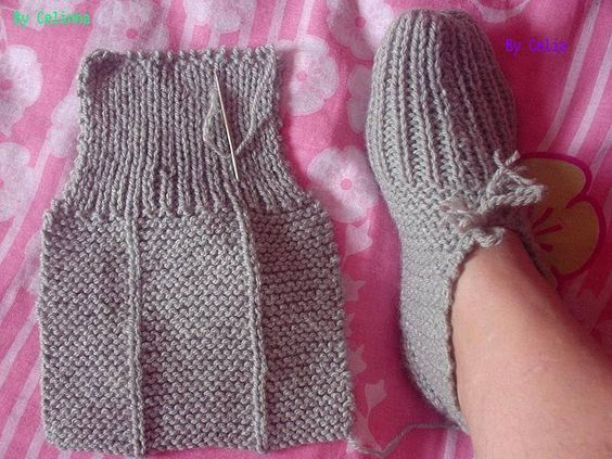 easy peasy knitted slippers!! <3:
