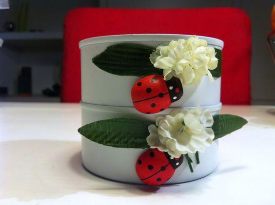 Scatolette di tonno riciclate in dolci porta candela • Tuna cans into candle holders: