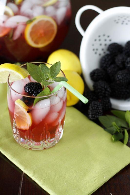 Easy blackberry lemonade