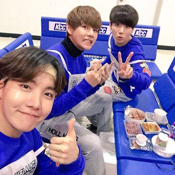 160118 [Twitter update] (J-hope's tweet) caption trans: Yum yum yum going to eat it all!!!We'll eat it well#Hobi #Taehyungie #Kookie
