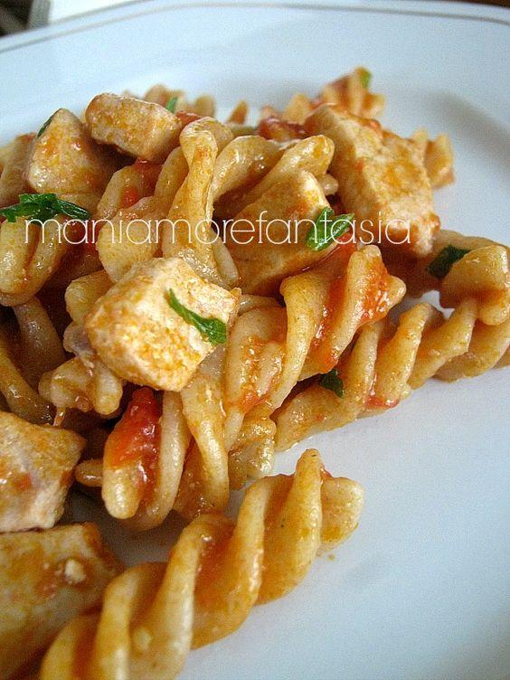 Pasta col sugo di pesce spada link blog and fusilli for Ricette di pasta