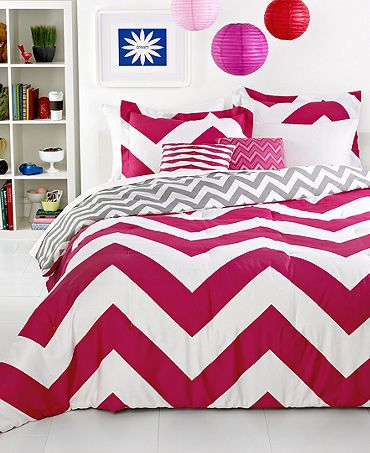 Pink & White Chevron, sooooo cute! Stinks I'd have to change my room color to match if I got this bedding though lol