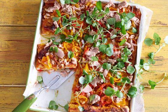 Kijk wat een lekker recept ik heb gevonden op Allerhande! Plaatpizza met tonijn en paprika
