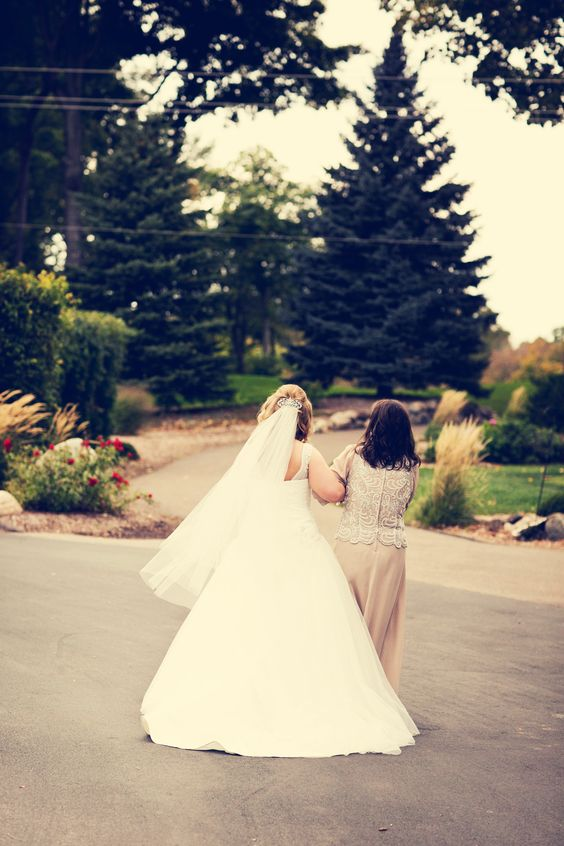 Photo by Sarah M. #MinneapolisWeddingPhotographyPrices #MotherDaughterPhoto