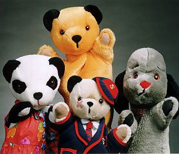 Sooty, Sweep and Sue.