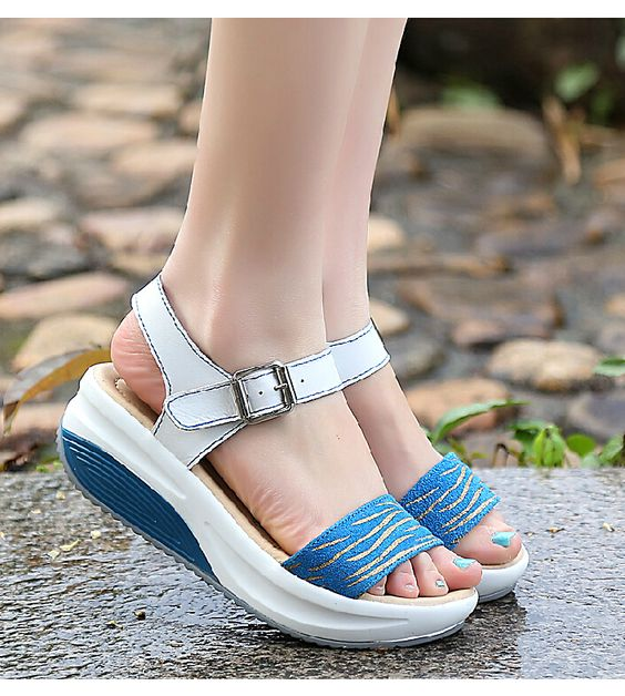 33 Comfort Platform Sandals That Will Make You Look Great shoes womenshoes footwear shoestrends