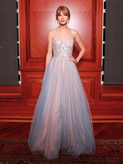 Prom inspiration: Taylor Swift in Reem Acra