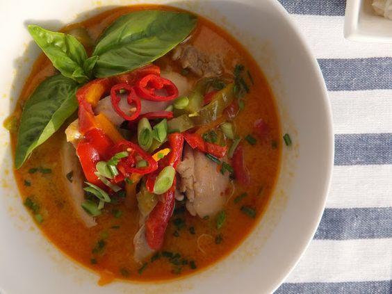 Pollo al curry rojo tailandés