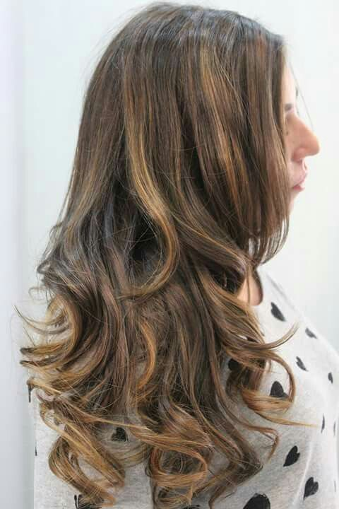Schiarire i capelli scuri con delicatezza #modacapellirosa #potenza #cdj #degradejoelle #tagliopuntearia #degradé #welovecdj #igers #naturalshades #hair #hairstyle #haircolour #haircut #fashion #longhair #style #hairfashion