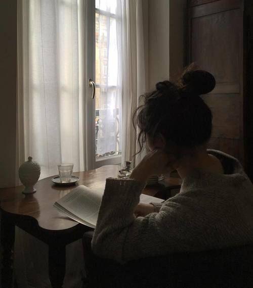 Imagem de girl, book, and window