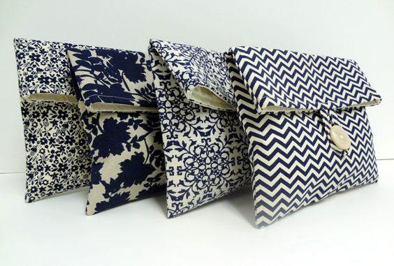 Marina boda embragues conjunto de 4 azul marino y maquillaje Taupe bolsas de regalos de Dama de honor: