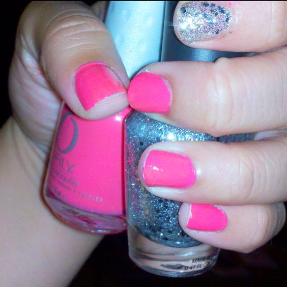 Fun nails. Not the best paint job but you get the idea ;) glitter makes everything better.