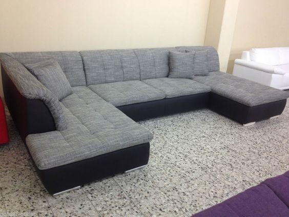 Modernes Wohnzimmer Mit Italienischer Ledercouch Und