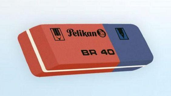Todos en la primaria llegamos a tener las famosas gomas Pelikan bicolor  BR 40, las cuales nos ilusionaban con la promesa de borrar tinta con la  parte azul.