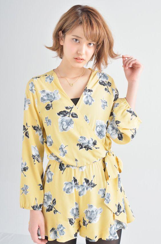 黄色の花柄ワンピース山崎紘菜