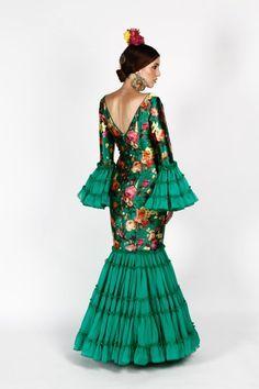 Traje de flamenca verde con estampado de tafetán y seda   SIMOF 2016
