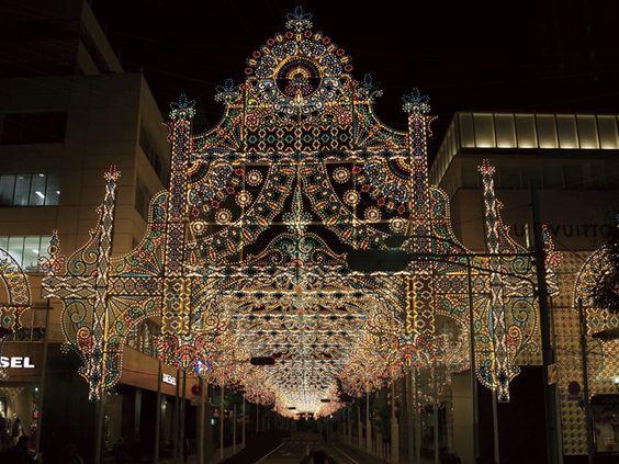 神戸ルミナリエのスタート地点を飾る、旧居留地の「フロントーネ」は圧巻 #KobeLuminarie #Kyukyoruchi #kobe