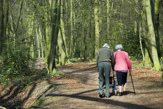 ¿Sabías que después de los 40 años de edad, cada década podemos perder alrededor de 1 cm de talla? http://ow.ly/tXtfJ