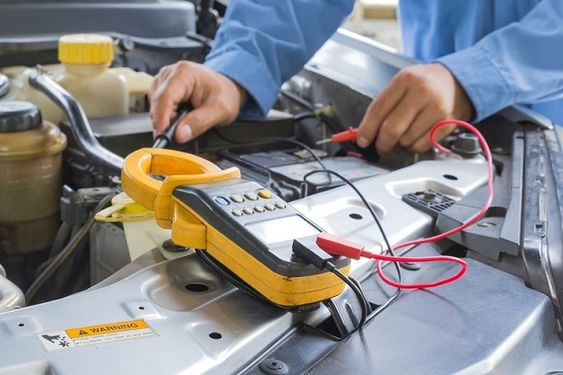 Difference Between An Auto Electrician And A Mechanic