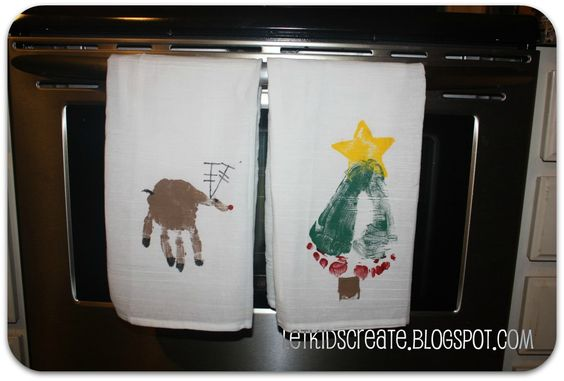 Homemade Gift- Hand And Foot Stamped Dish Towels: Grandparent Gift, Christmas Dish, Christmas Gift, Towels Gift, Homemade Gift