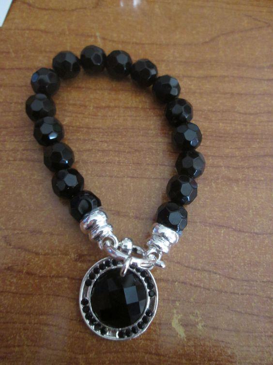 Pulsera con piedras negras azabache .fantástica puesta 3