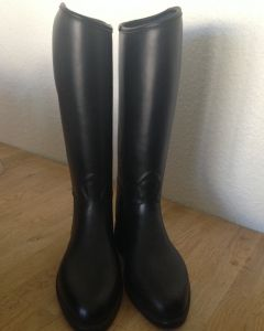 Sælger min datters Ridestøvler da de ikke bliver brugt