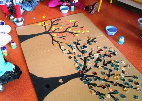 un arbre fabriqué avec les capsules de café, à la façon couronne Yobrego.