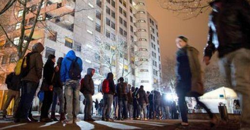 Der Berliner Senat will nach Informationen des rbb das Beratungsunternehmen McKinsey damit beauftragen, einen Masterplan zur Integration von Flüchtlingen zu erarbeiten. Ein entsprechender Antrag de…