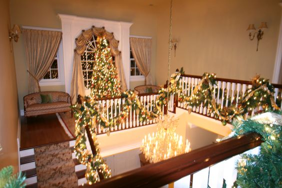 Christmas Foyer Landing & Stairs