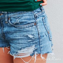 A quick and simple way to distress denim. Video tutorial included ...