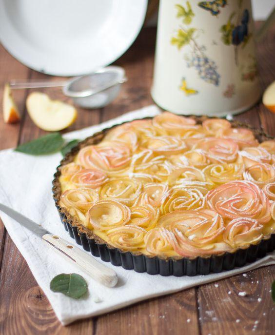 Endlich wieder Apfelzeit! Ich liebe die Apfelzeit und alles, was man mit Äpfeln tun kann – vor allem in Kuchen. Als ich euch letztens die Mangotorte zeigte, erzählte ich euch, dass ich ein paar Rezepte nicht von meinem alten Blog...