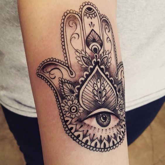 The 37 Most Beautiful Hamsa Tattoos And Their Meaning 123