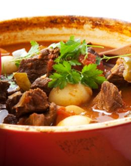 SLOW COOKED BEEF, BARLEY AND VEGETABLE SOUP