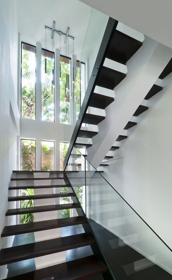 Zur Pflege von #Granit #Treppen empfehlen wir unsere speziellen Reinigungsmittel - Akemi, denen Sie auf unsere Seite finden können.  http://www.granit-deutschland.net/granit-treppen
