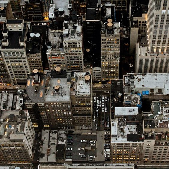 Looking down the Empire State Building – Photo by imagraphicartist