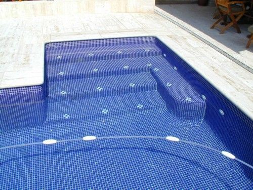 Piscina de ferr n piscinas escalera de acceso a piscina - Escaleras de piscina ...