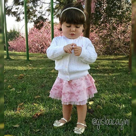 Bom dia bonequinha da mamãe!!! #bomdiaalegria #bomdia #bomdiacrescer #lookinhododia #lookbebedodia #fashionkidsworld #fashionminis #ig_kidsphoto #ig_kids #ig_fashionkiddies #ilovekidz #littlefashionista #trendykiddies #postmyfashionkid #postmyminitrendsbrasil #miniprincesinhas_ #kidslovecute #igersmd_ #mdkidsbr #superfashionkids #kidsfashionistamodel #kidsfashion #kidsbabylove by gisbacagini