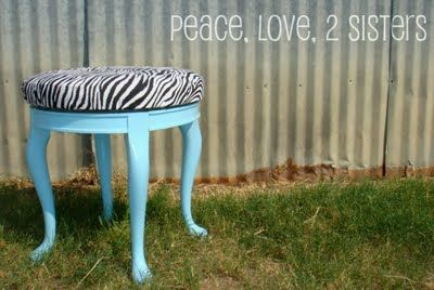 Peace, Love, 2 Sisters: Show and Tell Monday- Garage Sale Stool
