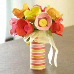 Egg carton crafts egg cartons and over 50 on pinterest for Plastic egg carton crafts